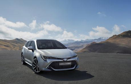 10-Toyota-Corolla-Touring-Sports